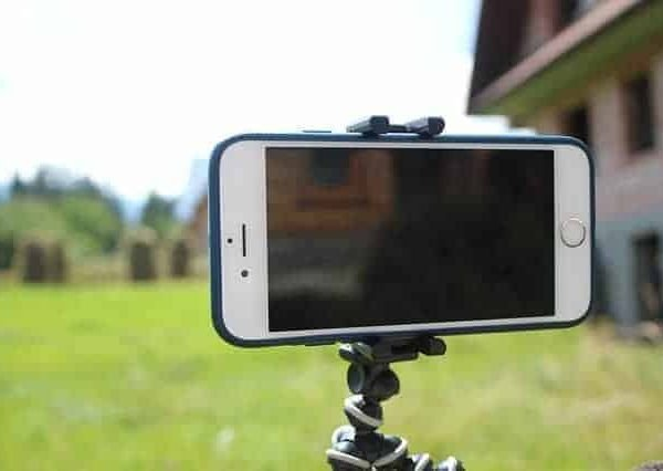 Image of a mobile phone on a stand ready to a vlog post to be recorded